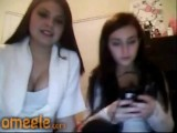 2 Teens Play On Cam